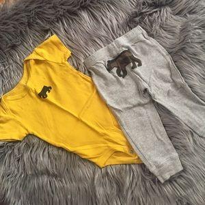 Carters 2 piece pant/onesie set - Bear 9M